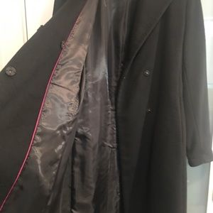 Double breasted 3/4 length wool coat